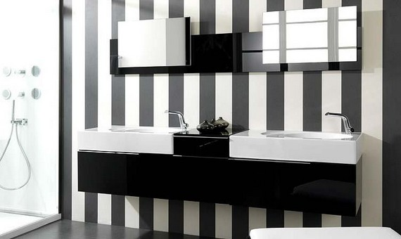 Полосатая черно белая ванная комната