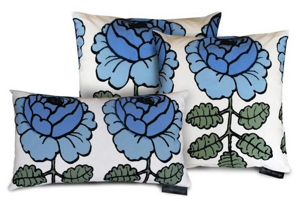 Декоративная подушка цветочный узор