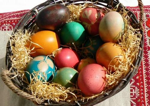 Крашеные пасхальные яйца