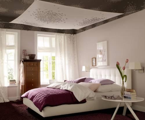 Романтическое настроение в спальне