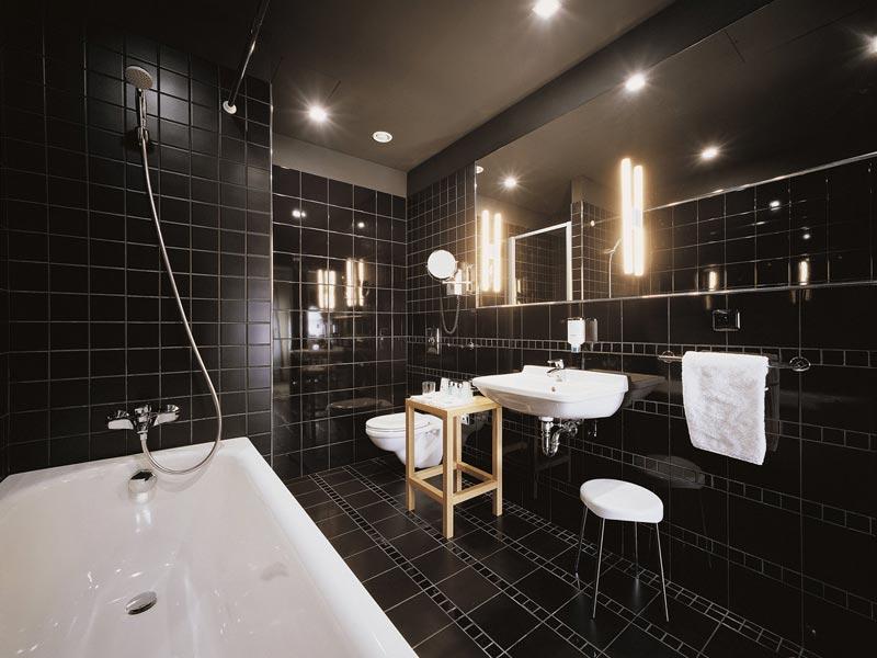 Освещение маленькой ванной фото