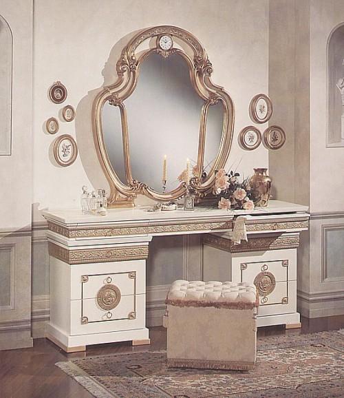 Дамский столик фото