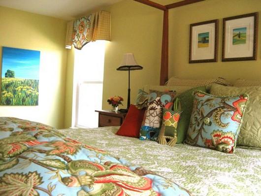 Картины для интерьера спальни