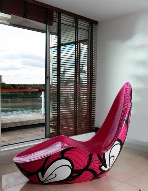 Кресло необычной формы