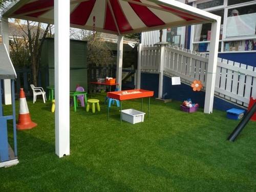 Газон для детской площадки на даче