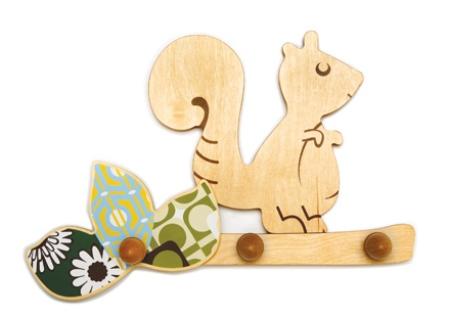 Вешалки детские деревянные