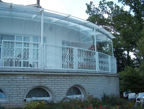 Безрамное остекление балконов и лоджий
