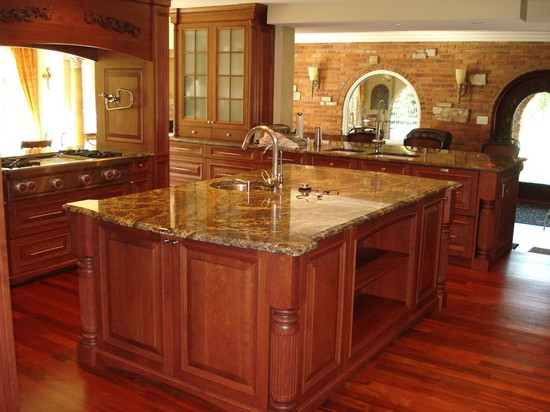 Столешницы для кухни из камня