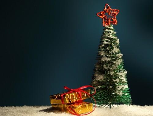 Искусственная новогодняя елка