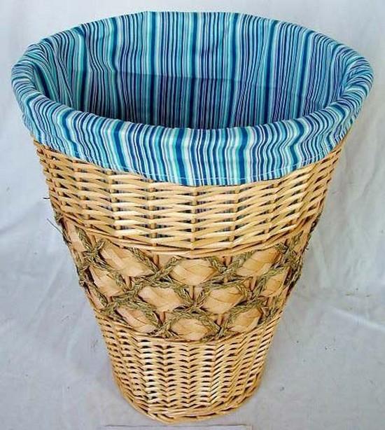 Бельевые корзины плетеные