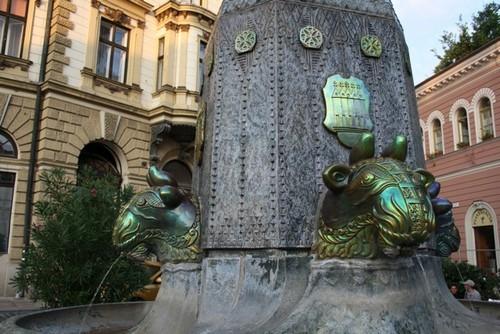 Фонтан в городе Печ, Венгрия