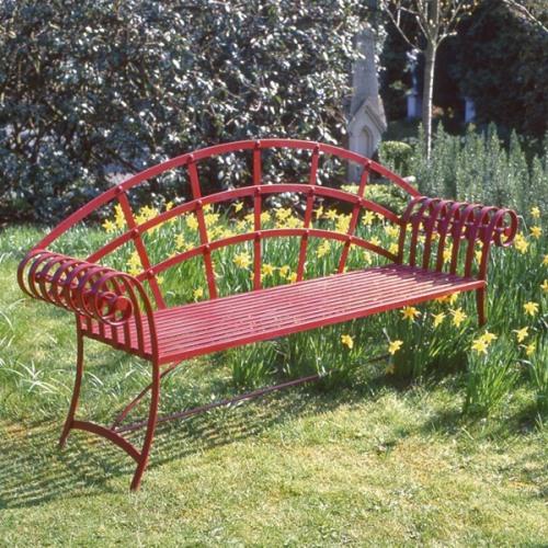 Кованые садовые скамейки