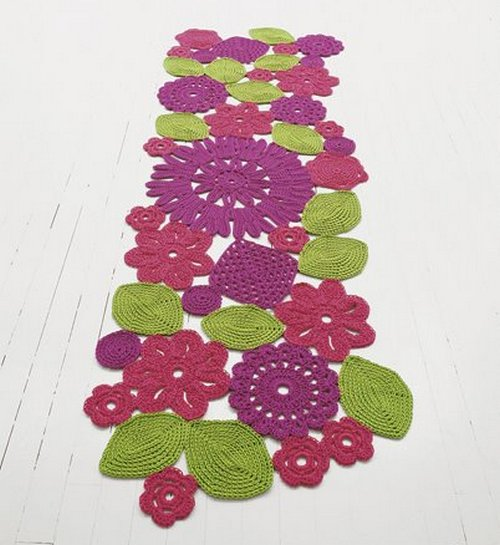 Вязаные коврики цветные фото
