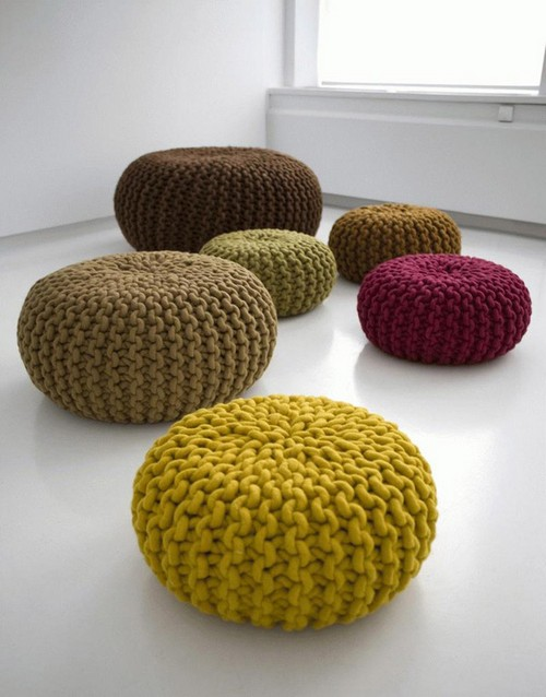 Вязаные декоративные подушки в интерьере