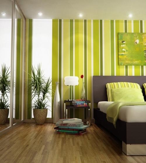 Покраска стен в вертикальную полоску