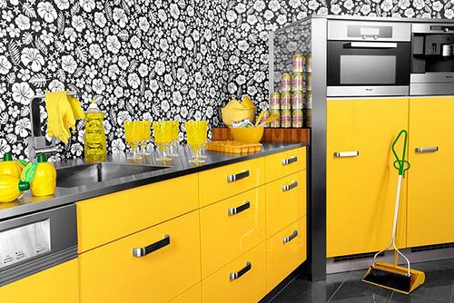 Ярко-желтая кухня