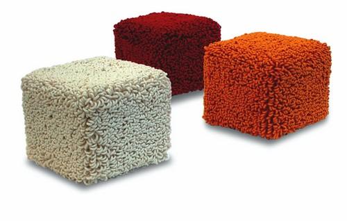 Бескаркасная мебель - мягкие пуфики