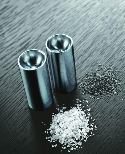 Солонка и перечница из стали