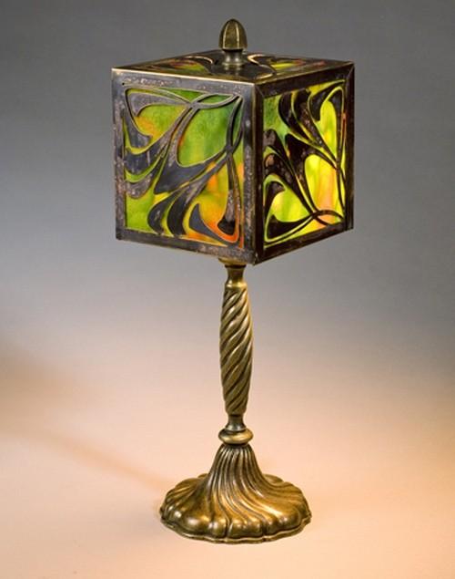 Настольные лампы с витражом