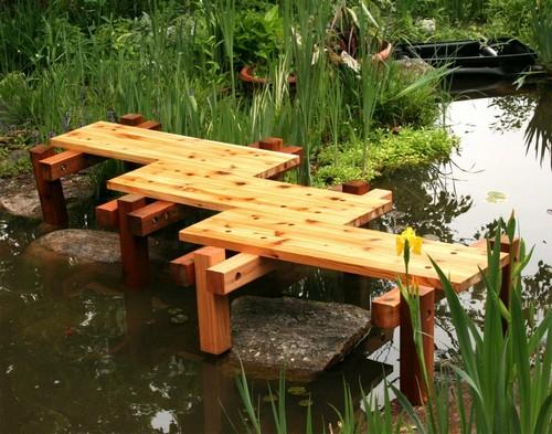 Деревянные мостики в саду фото