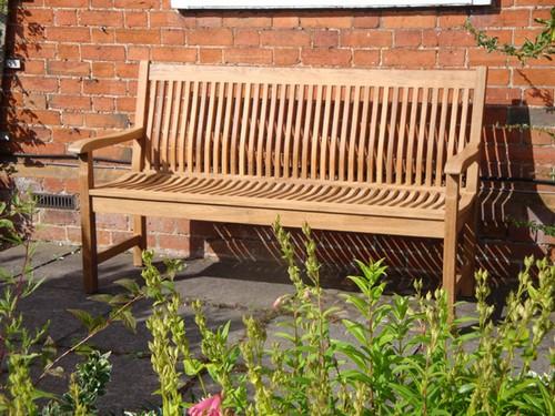 Скамейка садовая со спинкой фото