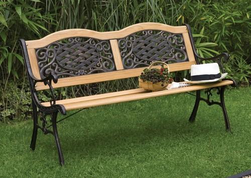 Садовая скамья из дерева и металла