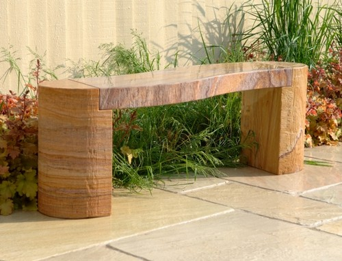 Скамейки из камня для дачи и сада