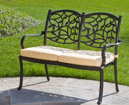 Металлическая скамейка садовая с мягким сиденьем