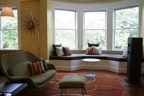 Дизайн гостиной с эркером фото