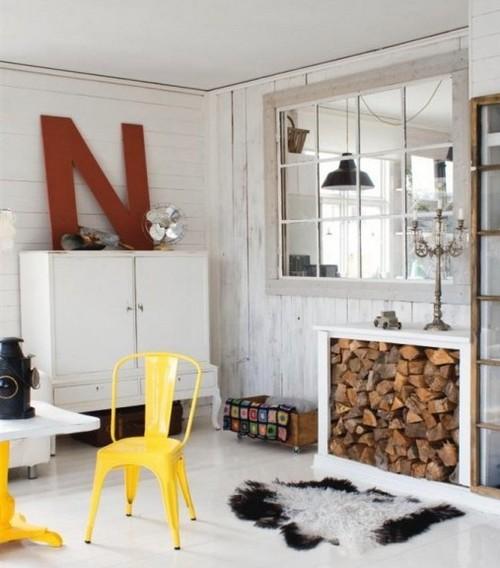 Буквы в интерьере гостиной