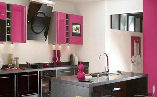 Интерьер кухни цвета фуксии