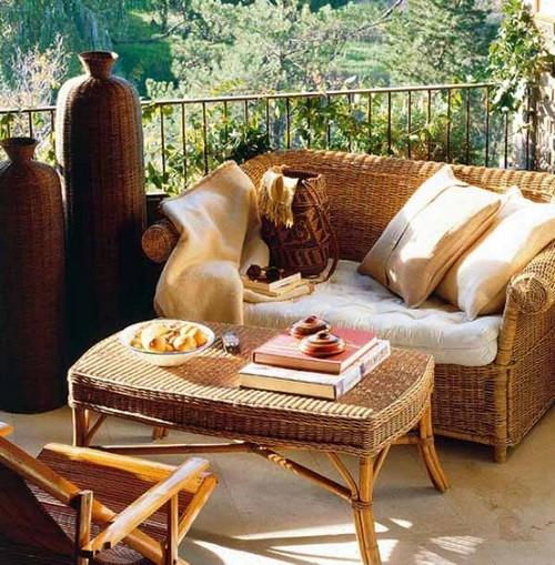 Плетеная мебель для летней террасы