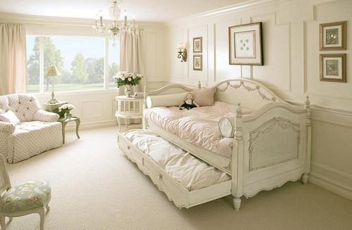 Кровать в стиле шебби шик