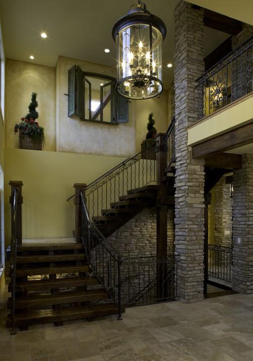 Декоративные колонны в современном интерьере