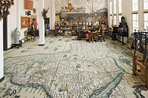 Географические карты в интерьере - напольное покрытие