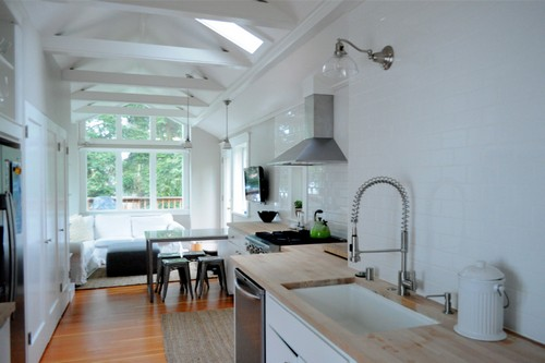 Телевизор для просторной кухни