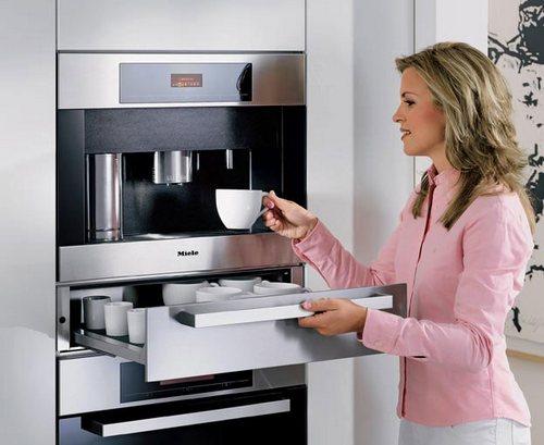 Встраиваемая кофемашина Miele в современном интерьере
