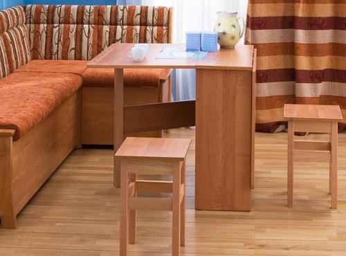 Обеденный стол-книжка для маленькой кухни