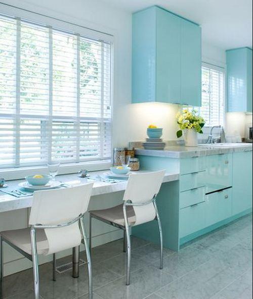 Бело-голубая кухня фото