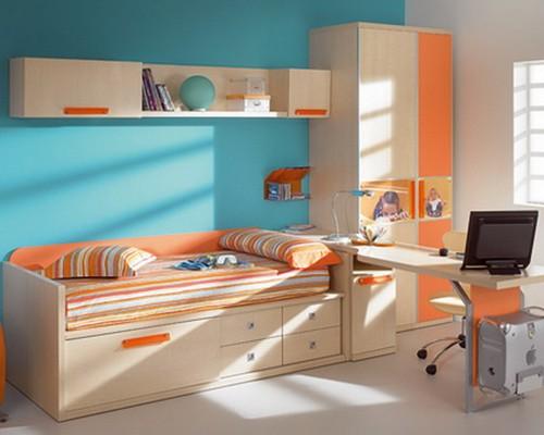Детская комната в бежево-оранжево-голубых тонах