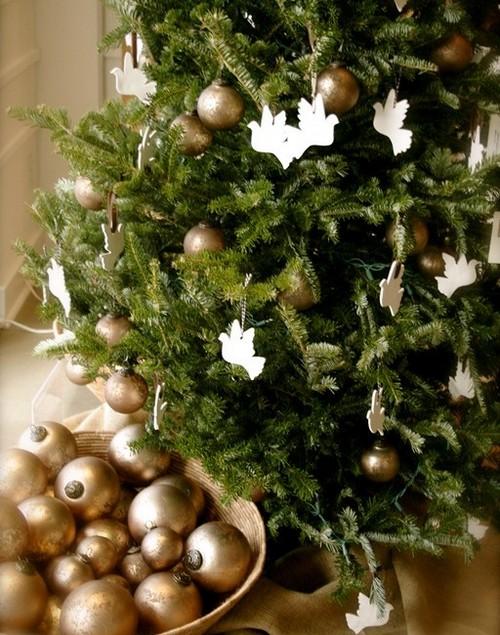 Двухцветное украшение новогодней елки 2013