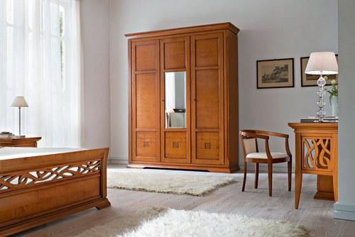 Мебель для спальни с резными вставками