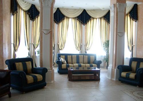 шторы с ламбрекеном для зала