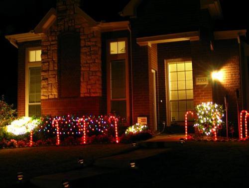 Новогоднее украшение домов и участка