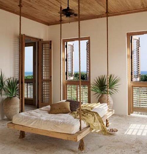 Подвесные кровати на канате в экзотическом интерьере