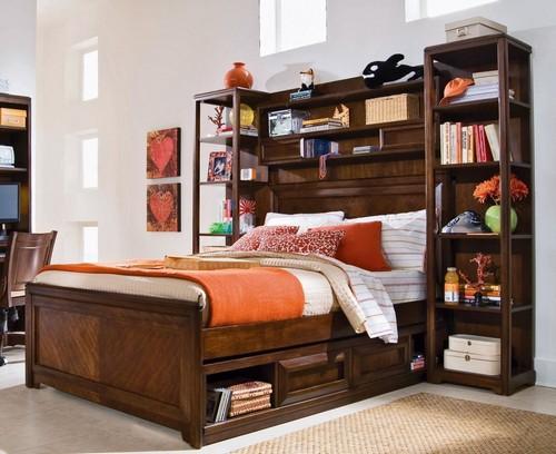 Детская кровать со шкафом в изголовье