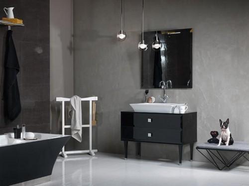 Ванная комната в серо-черных тонах