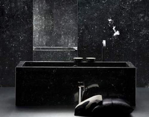 ванная комната в черном цвете