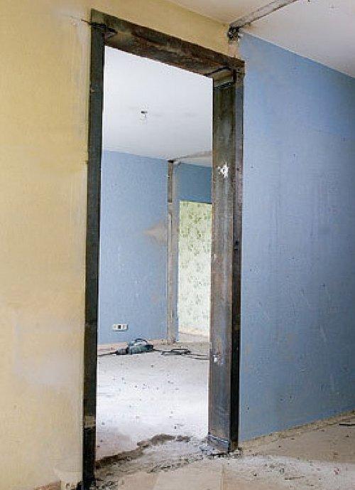 Дверной проем в стене фото