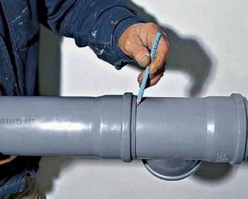 Монтаж пластиковой канализации в квартире